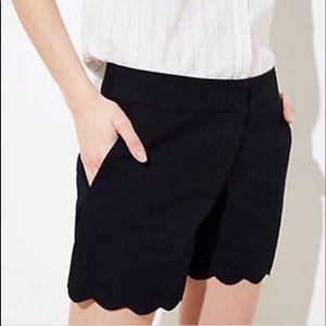 Ann Taylor loft  riviera black scallop shorts sz 2